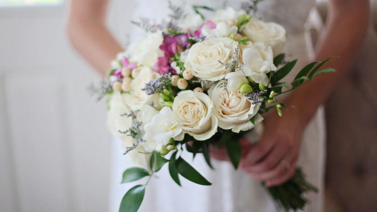 How to smile naturally for your wedding day
